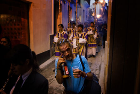 semana santa 2008 -Un via-crucis por las calles de Sevilla. Foto: Sergio Caro.